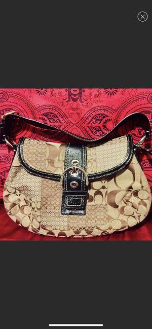 Coach crossbody handbag for Sale in Queens, NY