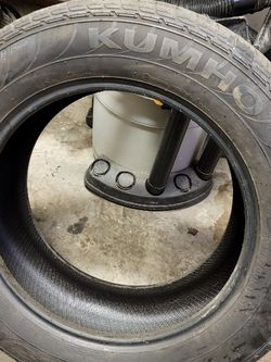 255 60r19. 108H. Pair Of Tires for Sale in Prineville,  OR