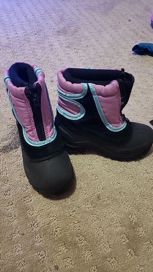 Snow boots for girls for Sale in San Dimas, CA