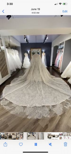 Luxury Wedding dress for Sale in Des Moines, WA