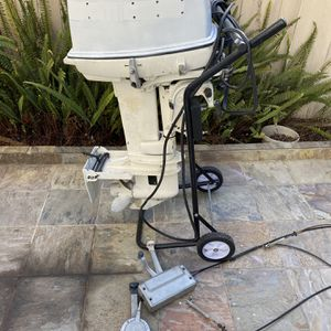Johnson 25hp Long Shaft With Controls for Sale in Huntington Beach, CA