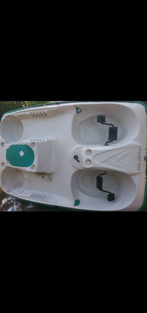 Pedal boat with trolley motor for Sale in Moreno Valley, CA