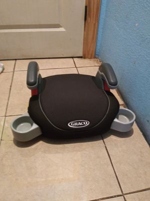 GRACO BOOSTER SEAT WITH CUP HOLDERS for Sale in San Antonio, TX