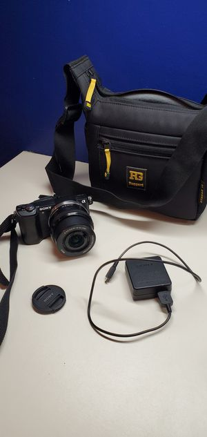 Sony Alpha 5000 Mirrorless digital camera for Sale in Sandy, UT