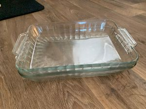 2 Pyrex cooking pan for Sale in Palm Beach Shores, FL