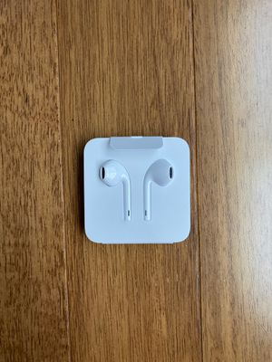 Apple Earbuds / Headphones for Sale in Romeoville, IL