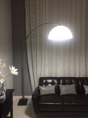 Floor lamp modern for Sale in Miami, FL