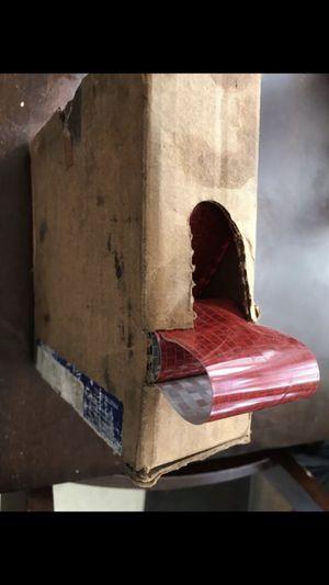 Caja de tape casi llena for Sale in South Gate, CA