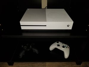 Xbox One S with Elite controller and games for Sale in Jacksonville, FL