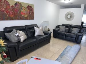 Leather Living room sofa and love seat set! RECLINERS!!! Hablo Español for Sale in Hallandale Beach, FL