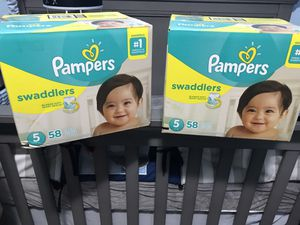 Pampers Swaddlers Size 5 for Sale in Hialeah, FL