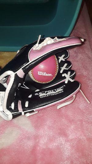 Girls baseball glove Easton left hand $7 for Sale in Stockton, CA