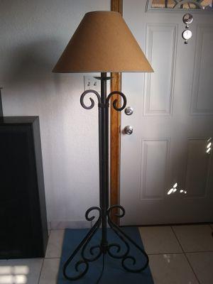 Iron Floor lamp for Sale in Gardena, CA