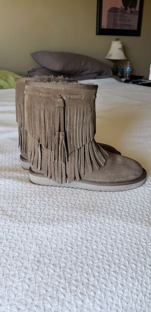 Kookaburra by Ugg Size 5 fringed boots. for Sale in Las Vegas, NV
