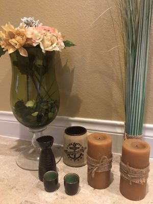 Tall Glass Vase with artificial flower arrangements and other decorative items for Sale in Richmond, TX