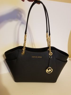 100% Authentic! Beautiful New With Tags Large Michael Kors Shoulder Bag! for Sale in Garland, TX