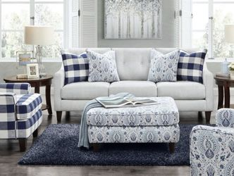 NEW: Magnolia Manor Farmhouse Navy And White Check Chair for Sale in Acworth,  GA