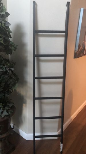 Ladder — Black metal bunk bed ladder for Sale in Puyallup, WA