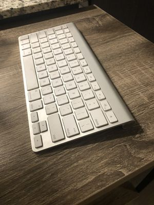 Apple Bluetooth Keyboard $40 OBO (works!!!) for Sale in Tempe, AZ