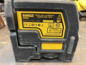 DeWalt DW0822 Cross Line and Plumb Spot Laser for Sale in Midland, TX