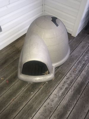 Petmate indigo igloo style dog house for Sale in Baltimore, MD