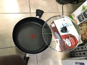 12 inch cooking pan for only 13$$ for Sale in Sugar Land, TX