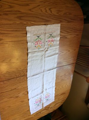 Antique table cloths or runners or doily for Sale in Springfield, NJ