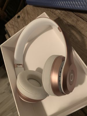 Beats solo 2 wireless headphones rose gold special edition for Sale in Orlando, FL