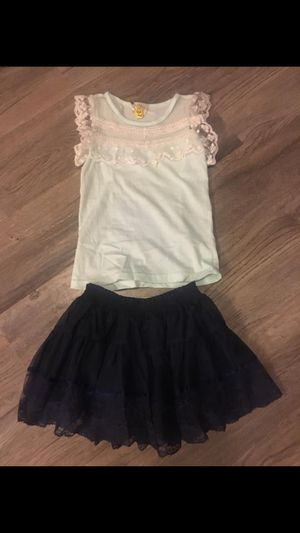 Kids clothes both for $15 dress size 4. Outfit size 3-4 for Sale in Sterling Heights, MI