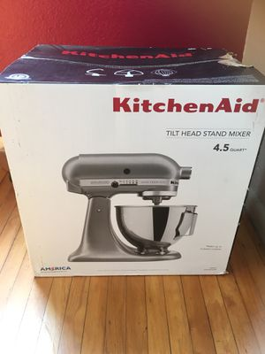KitchenAid tilt head stand mixer 4.5 qt for Sale in Los Angeles, CA