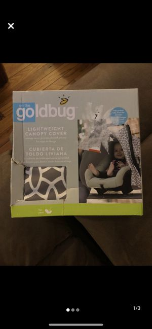 On the Goldbug Infant Car Seat Canopy Cover, Grey for Sale in Queens, NY