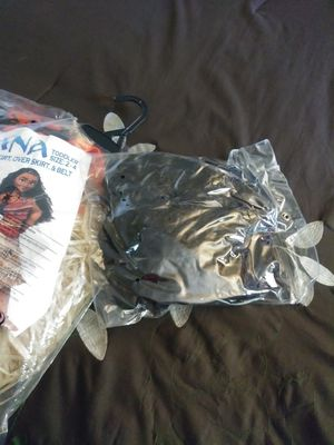 Brand new 2-4t Moana costume and wig for Sale in Denver, CO