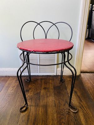 Mid Century Modern Metal Vanity Stool/ Small Chair. for Sale in Berea, OH