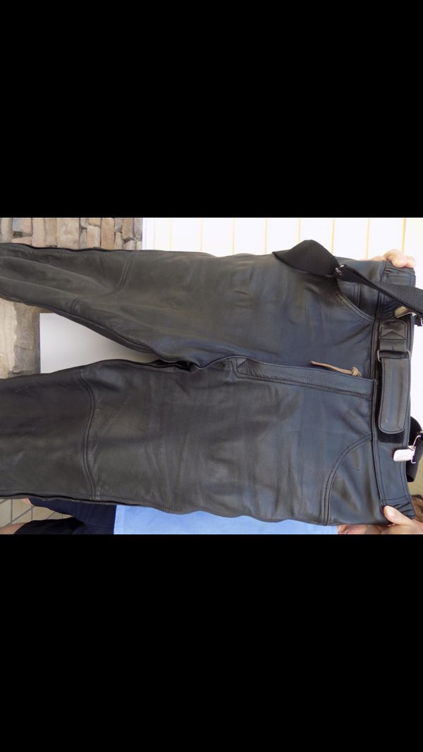Joe Rocket motorcycle pants 34 waist//34-36 length zipper sides with snaps 4 pockets thick, comfortable and safety must have good condition