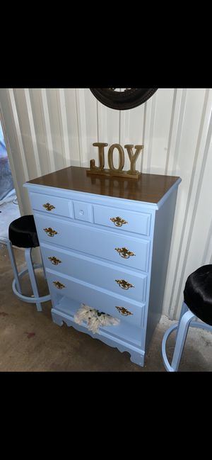 Storage and two stools for Sale in Victoria, TX