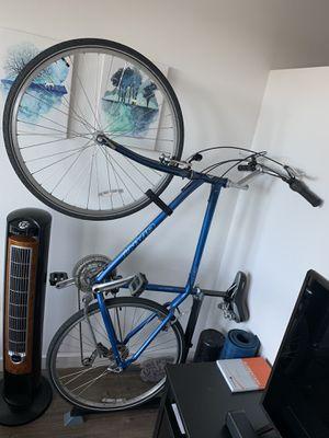 Giant Brand Hybrid Bike for Sale in Seattle, WA