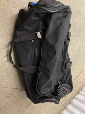 Eddie Bauer Wheeled Duffle Bag for Sale in Oakland, CA