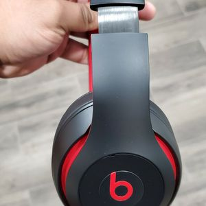 Beats Studio 3 Wireless Special Edition for Sale in Hanford, CA