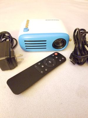 Goodee mini projector for Sale in CA, US