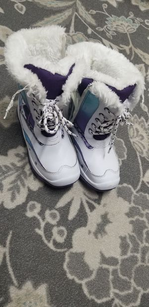 Girls snow boots size 1 for Sale in Carmichael, CA
