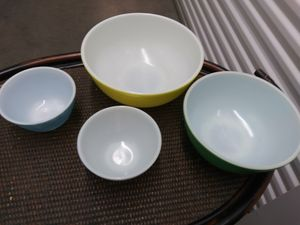 Vintage multi colored mixing bowls. Pyrex for Sale in Littleton, CO
