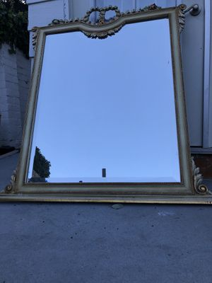 Antique Mirror for Sale in Beverly Hills, CA