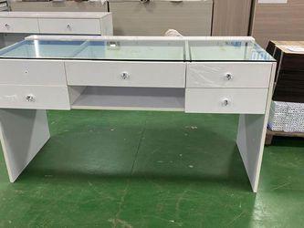 Vanity Table for Sale in Santa Ana,  CA