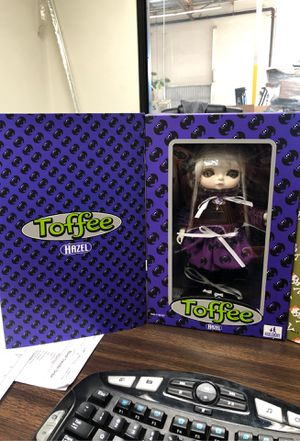 TOFFEE DOLLS , . Huckleberry Toys Toffee Dolls Series Limited Edition Doll Figure Hazel and Jessica for Sale in Ontario, CA