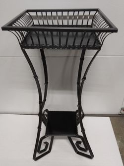 Black Metal Plant Stand for Sale in Modesto,  CA