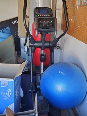 Elliptical trainer for Sale in Beaverton, OR