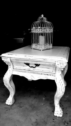 White antiqued side table night stand for Sale in Glendale, AZ