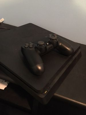 Play Station 4 ( 1 terabyte ) for Sale in Manassas, VA