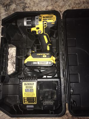 Dewalt xr brushless hammer drill one battery and charger for Sale in Clayton, NC