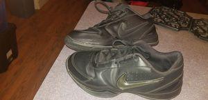 NIKE tennis shoes black for Sale in Glendale, AZ